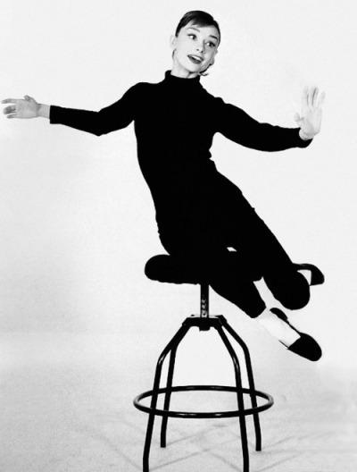 Audrey_Hepburn_Tabouret_Fanpop