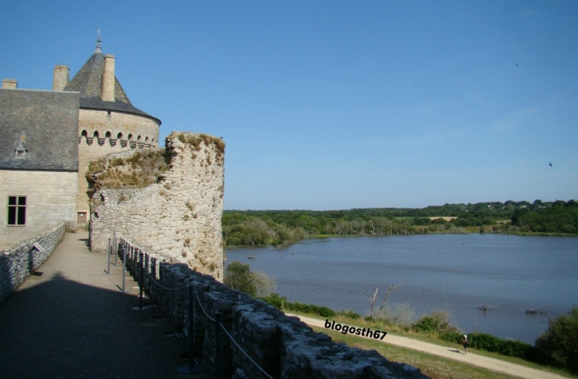 Chateau_Suscinio_Vue_Chemin_Ronde