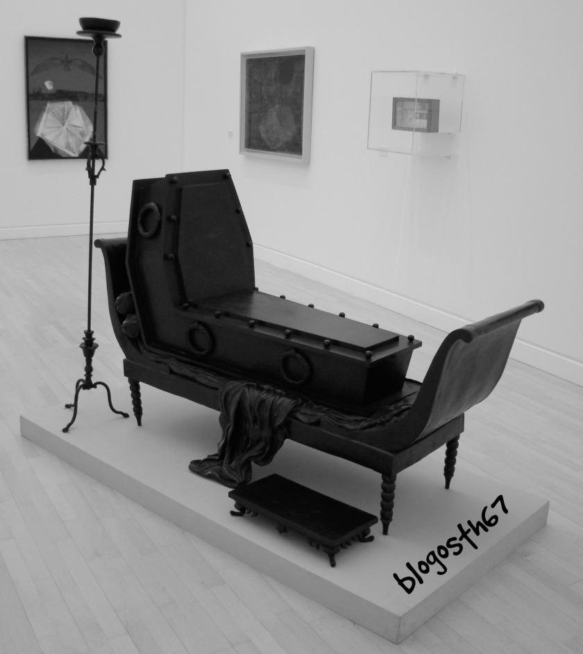 Magritte_Madame_Recamier_de_David