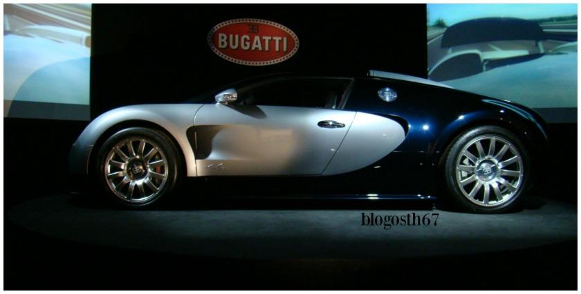 Cite_de_Automobile_Mulhouse_Bugatti_Veyron