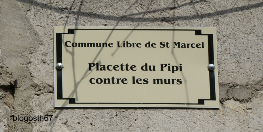 Placette_du_Pipi_contre_les_murs_Die