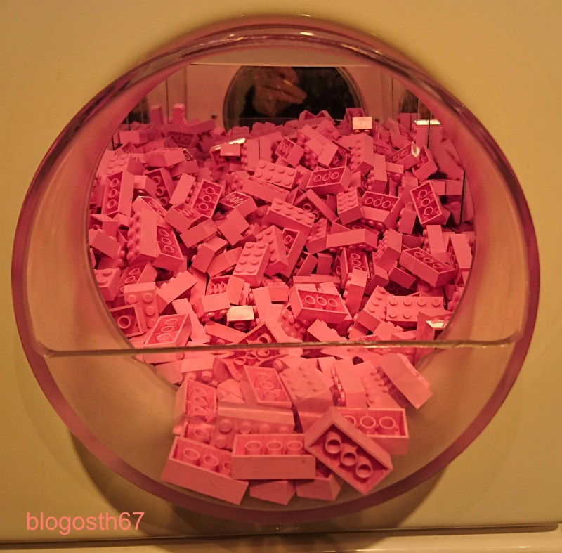 lego-shop-paris-briques-roses